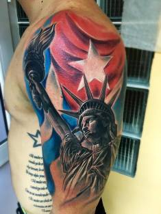 Tattoo by Leo Canosa.