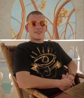 La Marca tattoo artist, Mauro Coca.